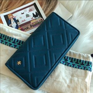 Tory Burch Fleming Continental Wallet